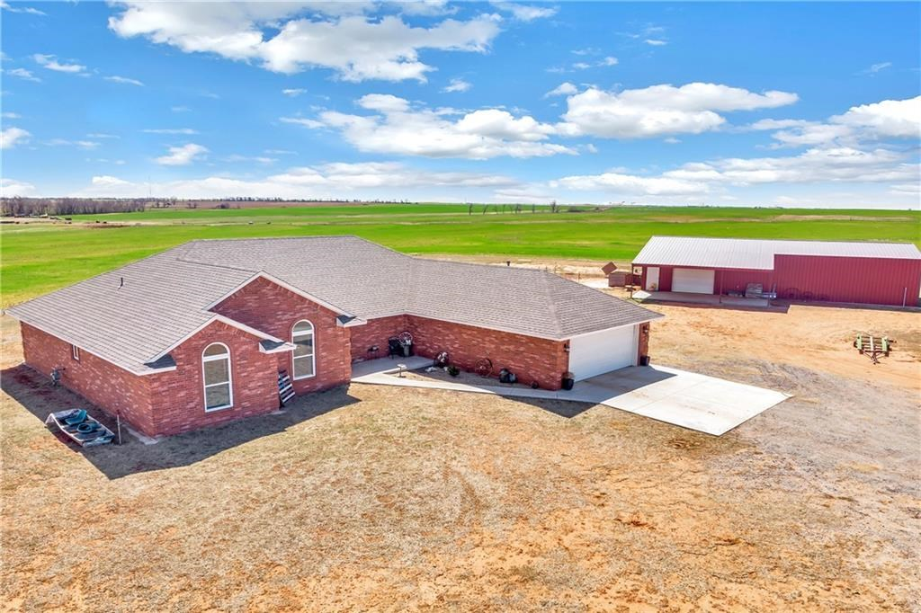 HOME FOR SALE WITH LAND IN OKLAHOMA