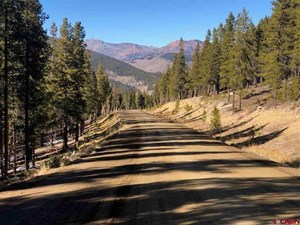 PRIVATE HOMESITE READY TO BUILD WITH STUNNING VIEWS