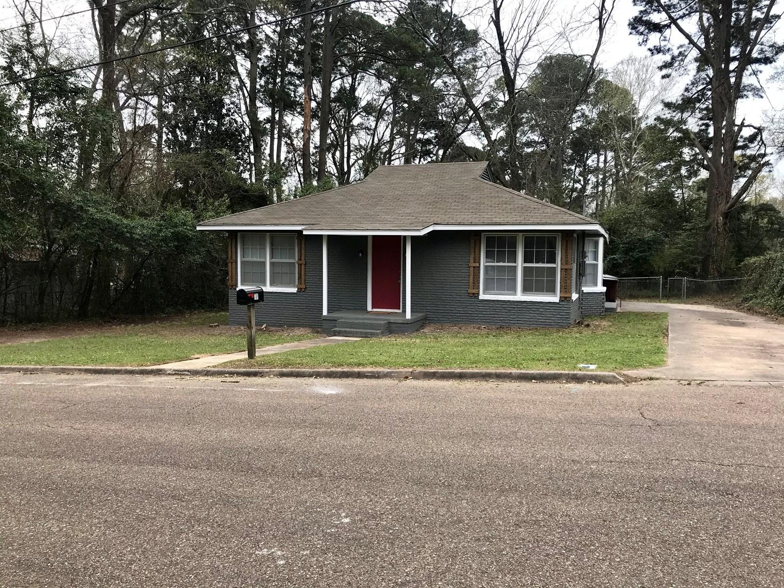 Brick Starter Home For Sale, Atlanta, Texas