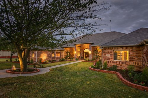 Luxury Home in Whitewright, Texas (17 AC)