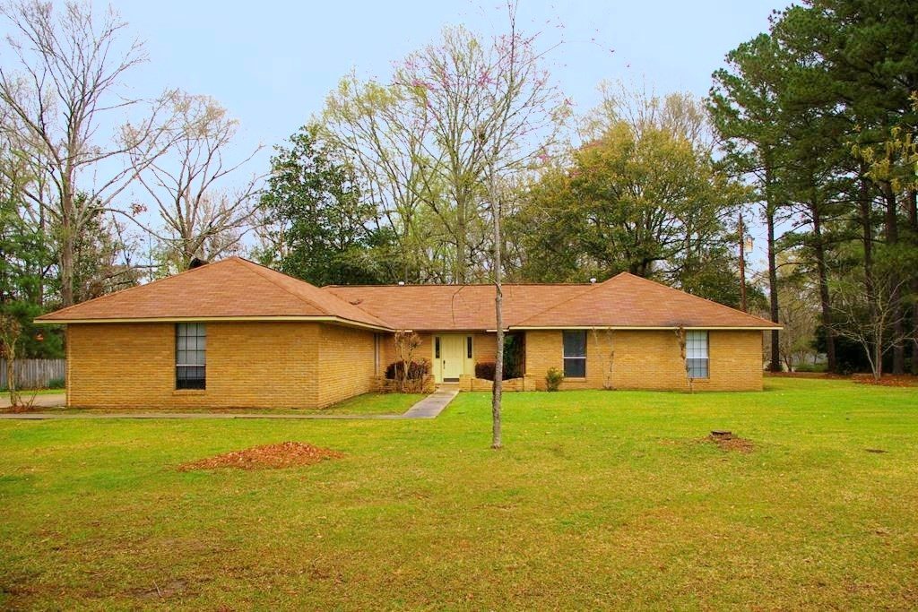 3 Bed, 2.5 Bath Home for Sale in Bude, Franklin County, MS