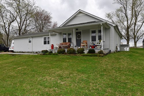 Single Family Home For Sale in Hohenwald TN!