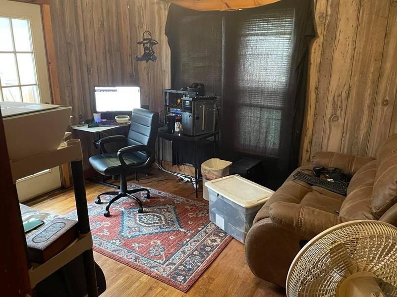 2nd bedroom in main