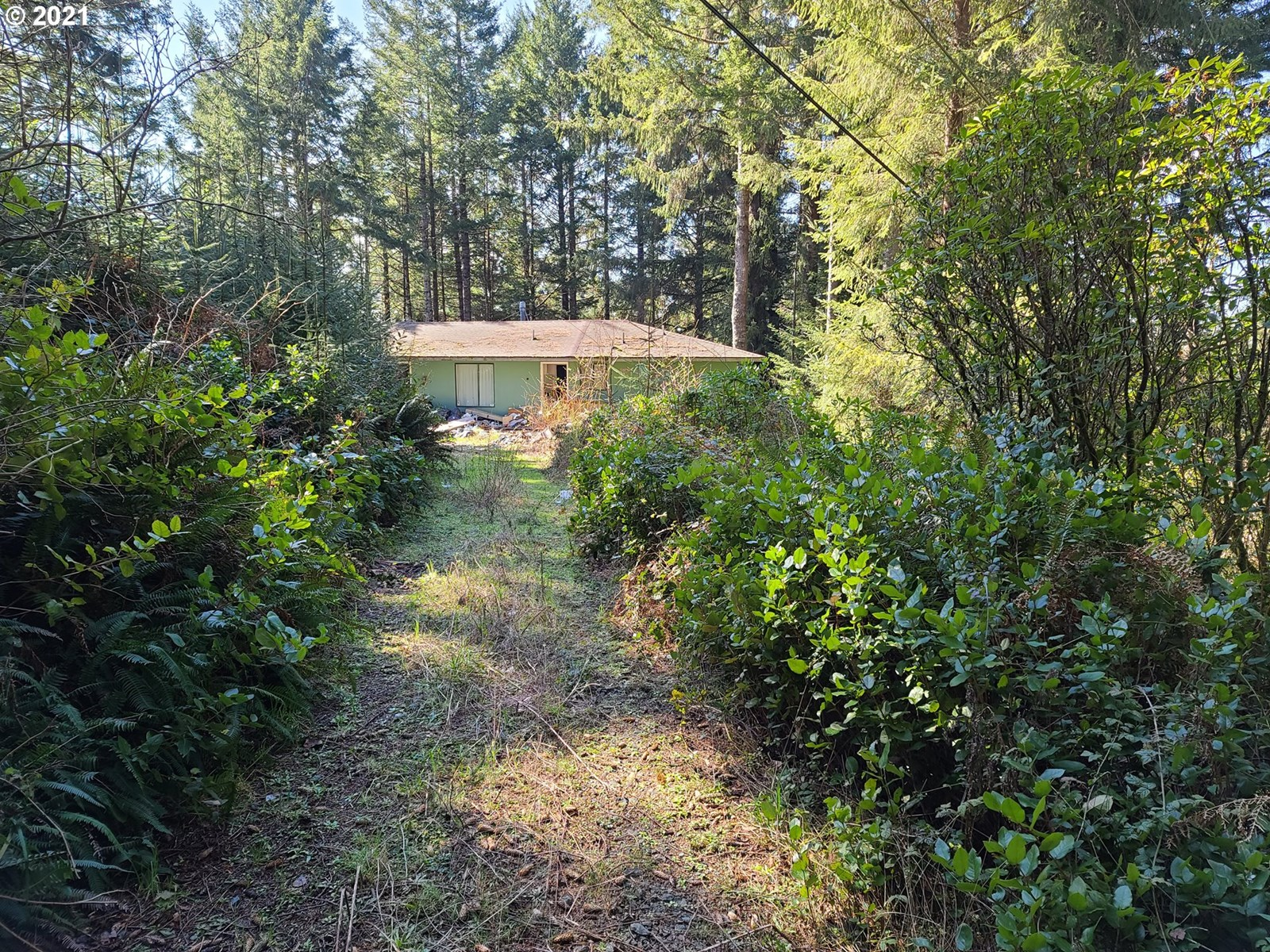 2.58  ACRE LOT WITH FIXER/TEAR DOWN HOME FOR SALE