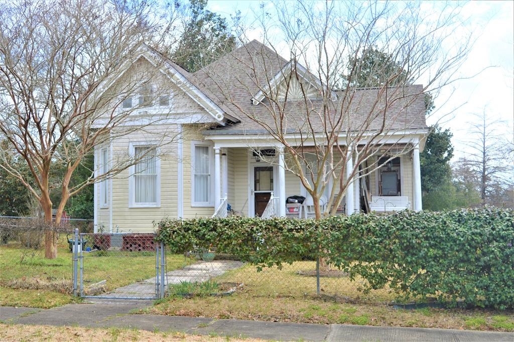 3 Bed/2 Bath Historic Victorian Home for Sale in McComb MS