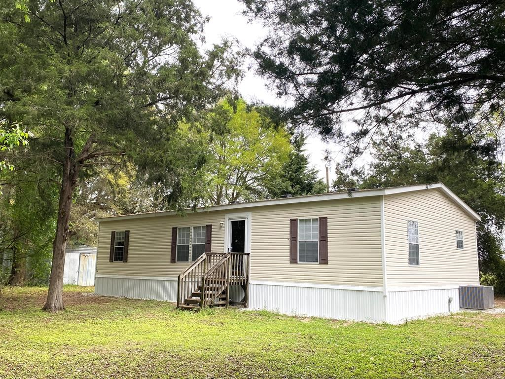 CUTE MOBILE HOME IN BELL FLORIDA!
