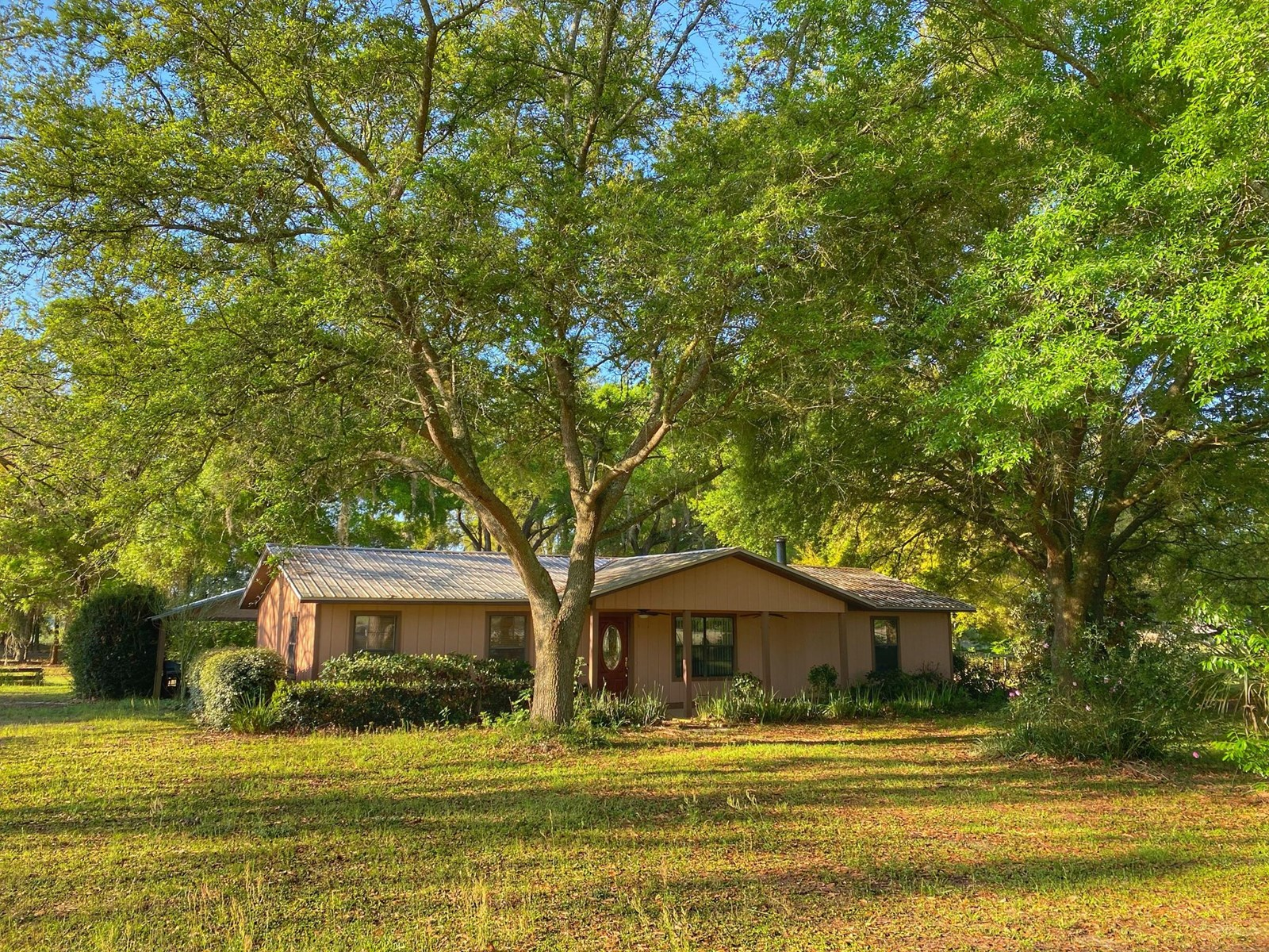 ACREAGE WITH A POOL IN BELL FLORIDA!