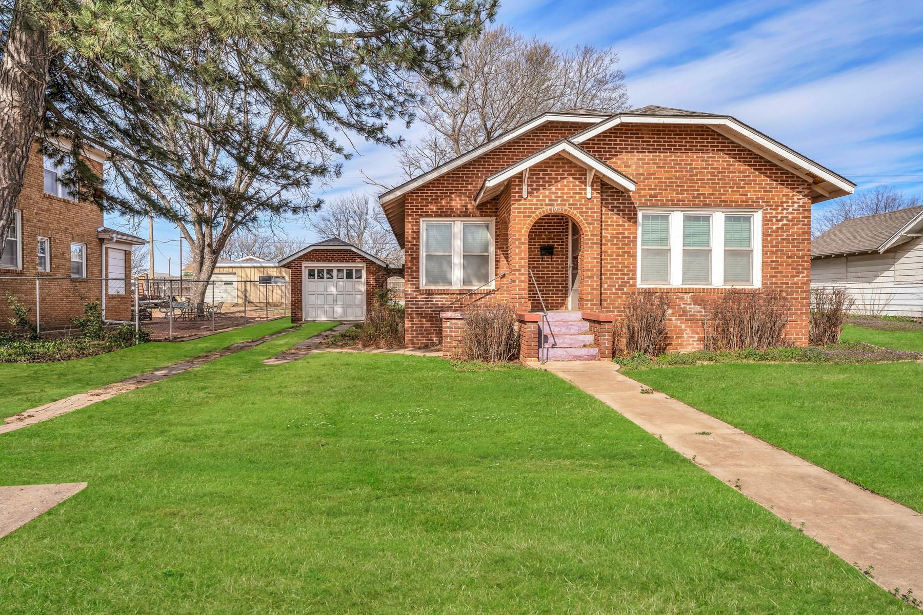 1005 N 4th Street, Sayre, Oklahoma 73662