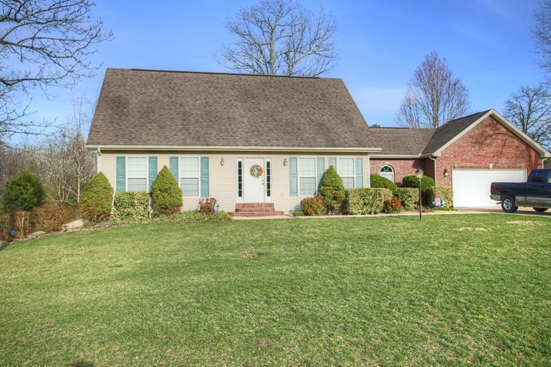 Lovely Family Home in West Plains with In-Law Quarters