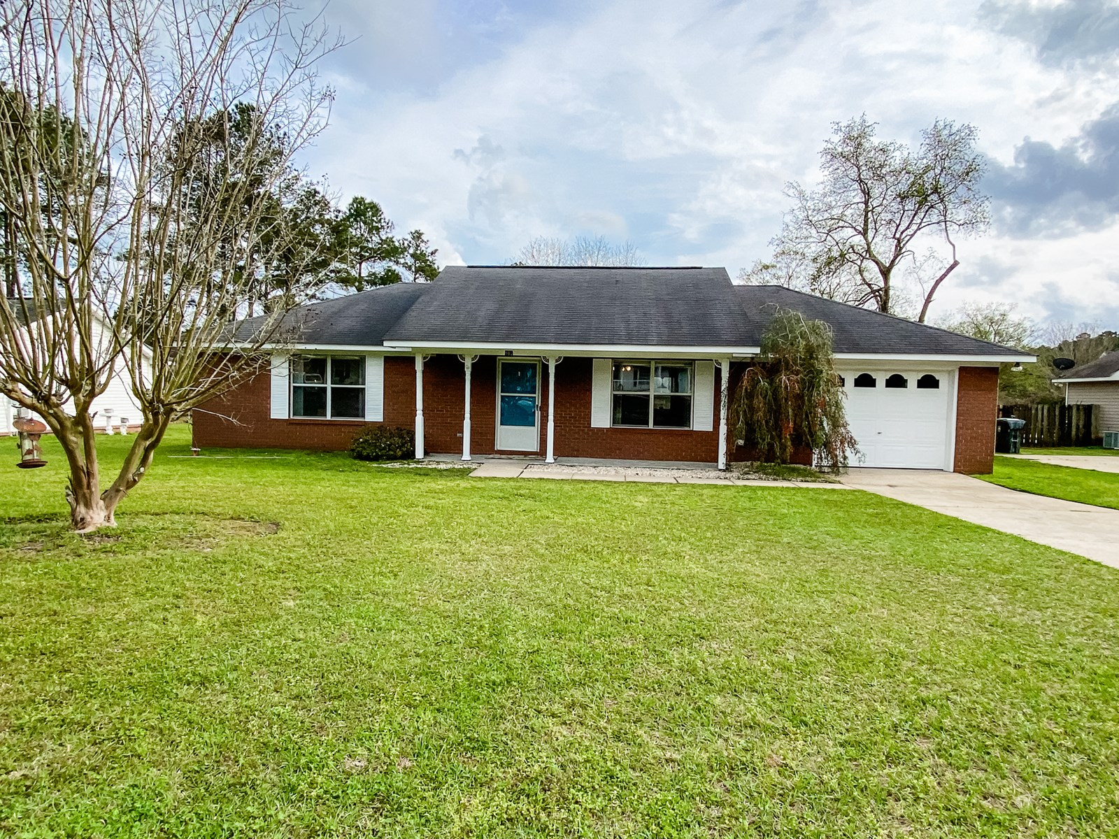 Starter / Downsizing Home for Sale City Limits of Dothan AL