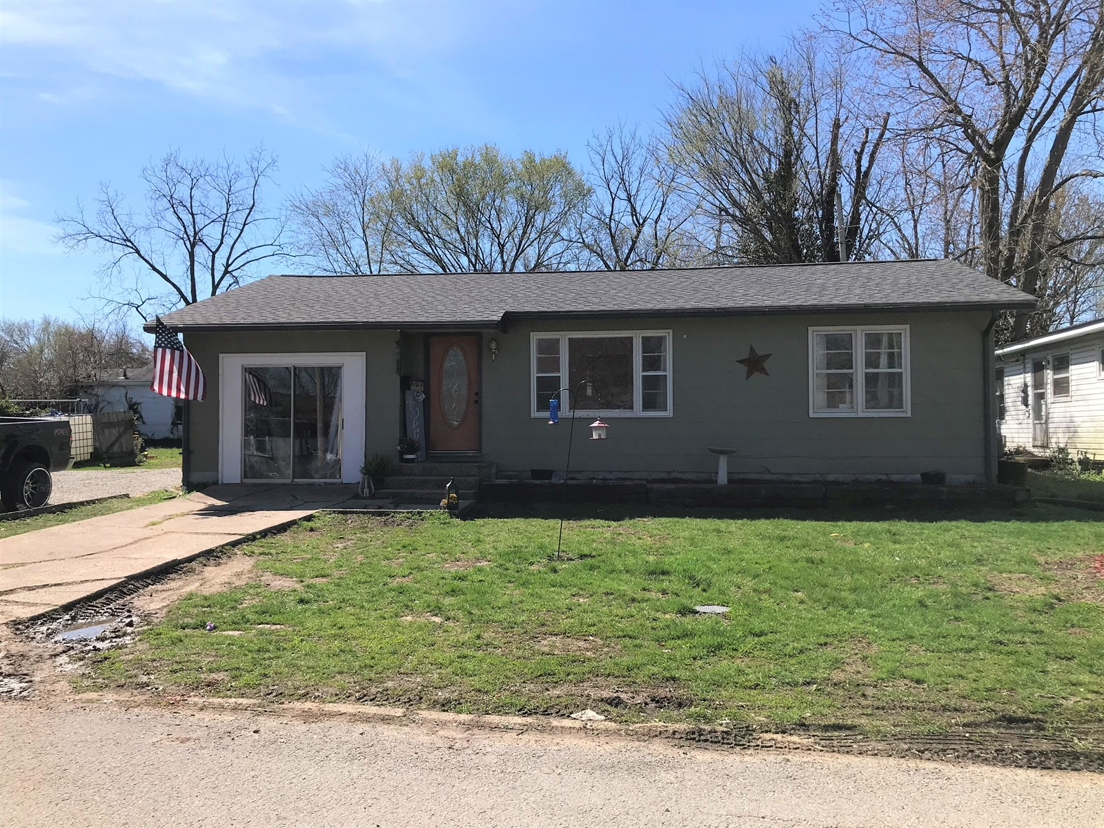 3 Bedroom home on double lot in Salem with updates.