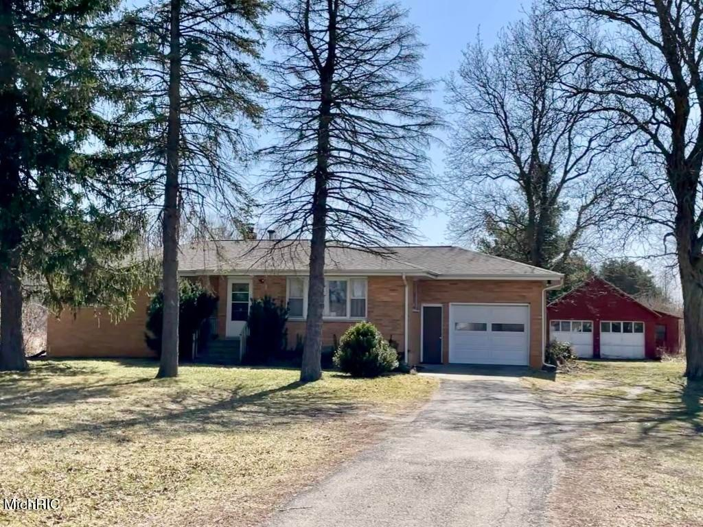 3 Bedroom home on 12 acres