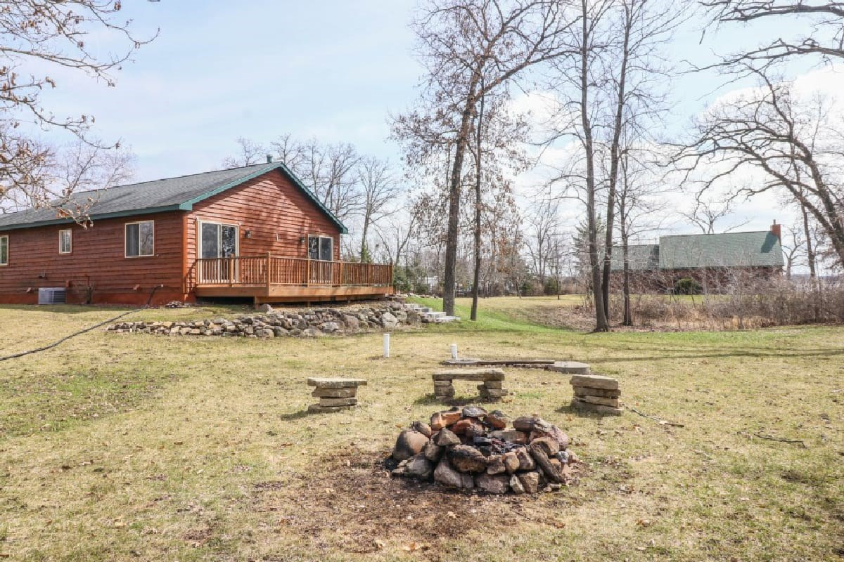 Briggsville WI Lakeview Cabin Style Home with Mason Lake Acc