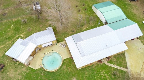 COUNTRY HOME WITH ACREAGE & POOL FOR SALE IN EAST TX