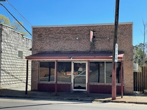 COMMERCIAL PROPERTY IN EMINENCE MISSOURI