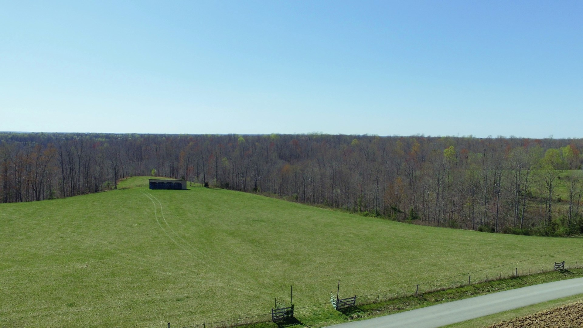 UNRESTRICTED ACREAGE-BLDG. SITES-EQUIP. SHED-POND-LIBERTY KY