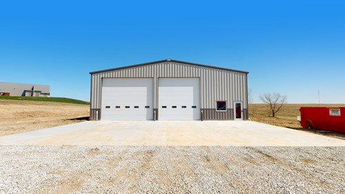 Commercial Building for sale just outside of Lincoln, NE
