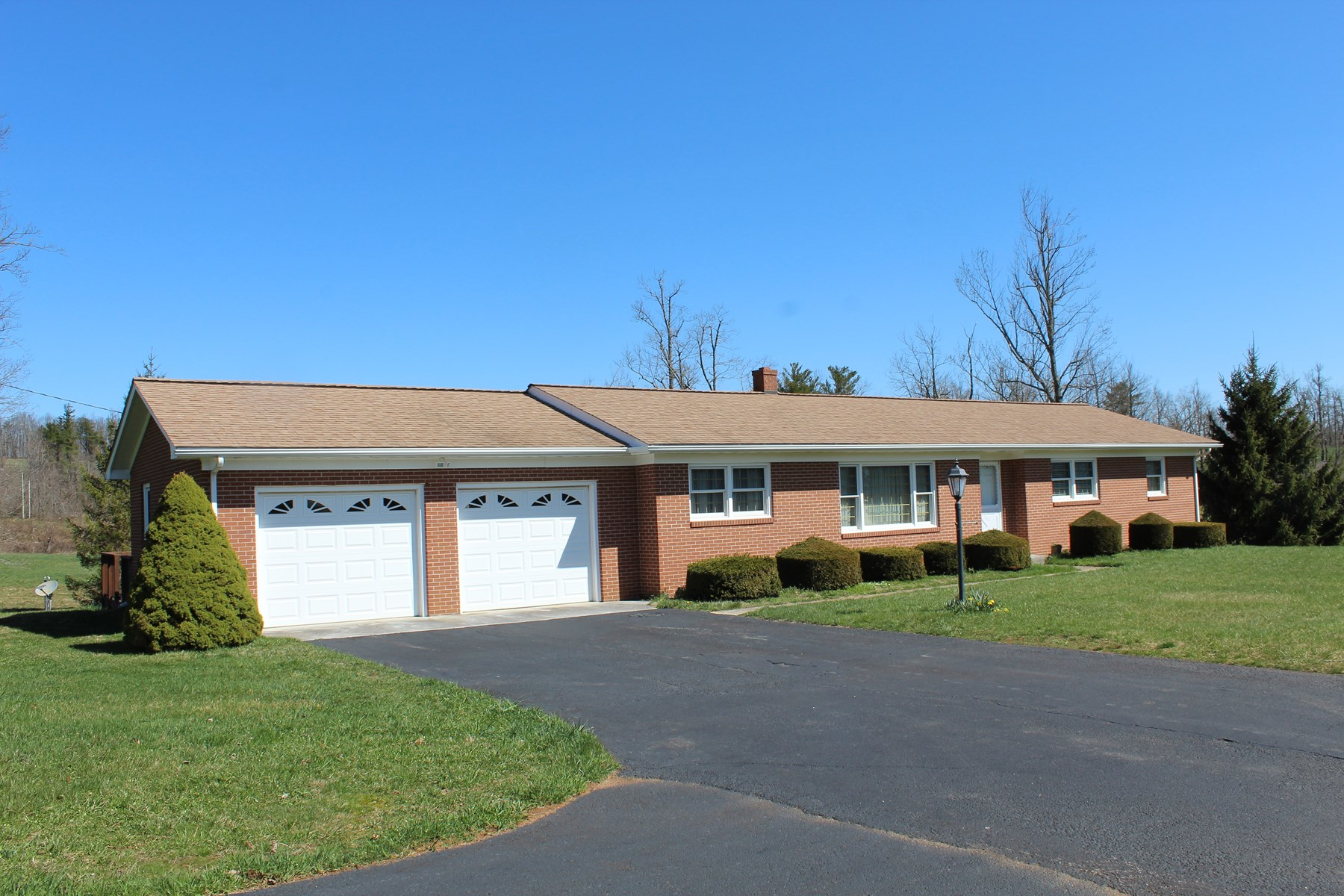 BRICK RANCH STYLE HOME LOCATED IN PATRICK COUNTY, VIRGINIA