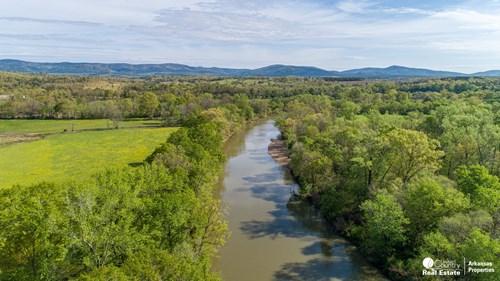 80 acres on the Ouachita River