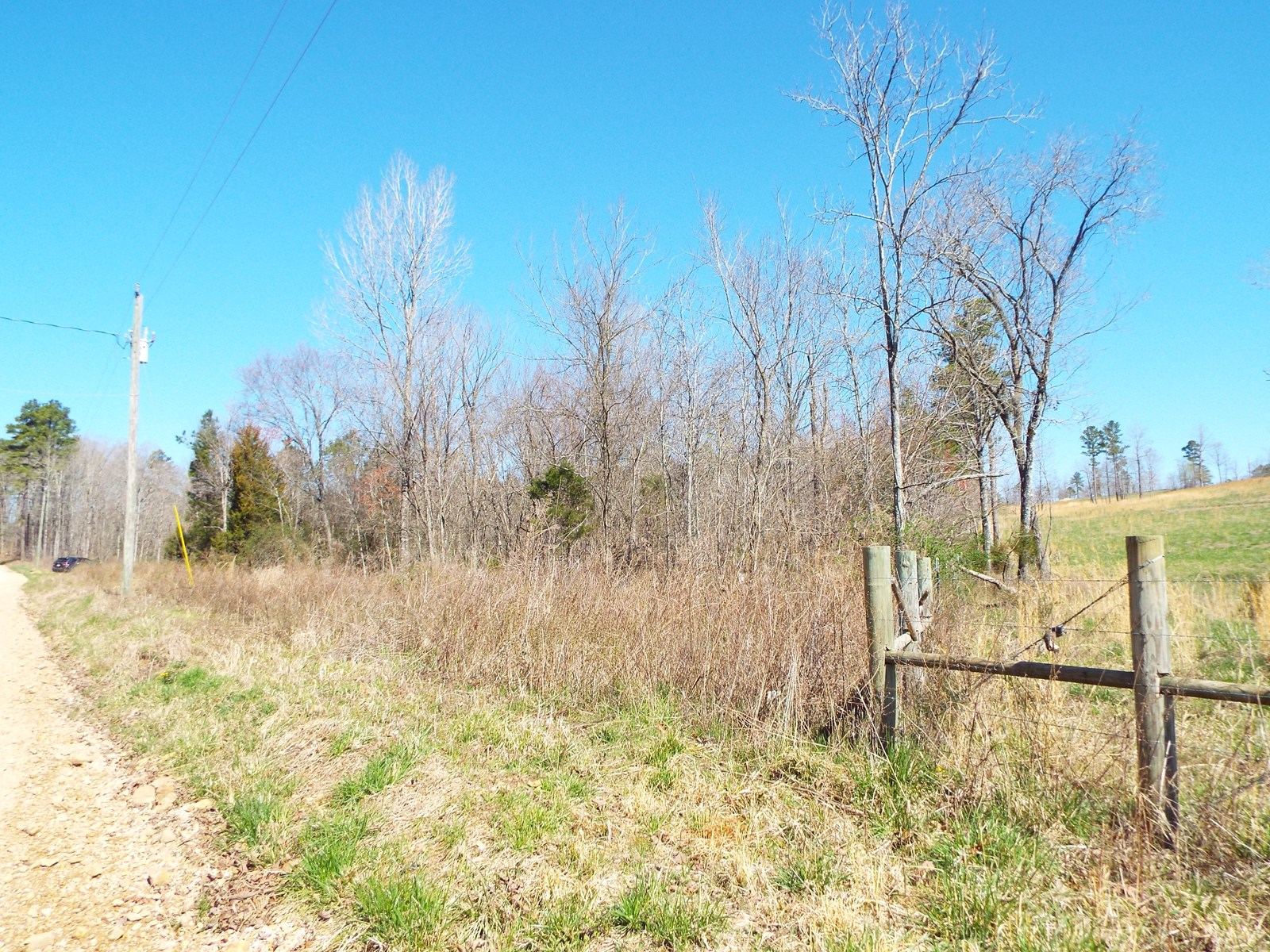 8 Acres Close to Hwy 60