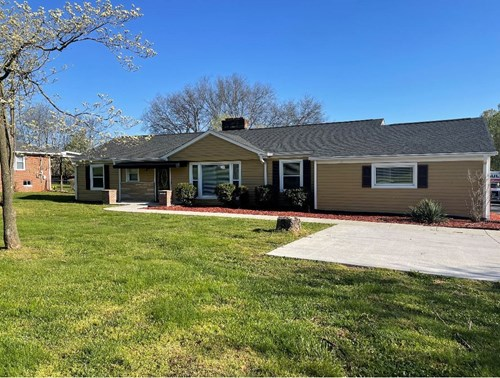 Single Family Home for Sale in Columbia, Tennessee