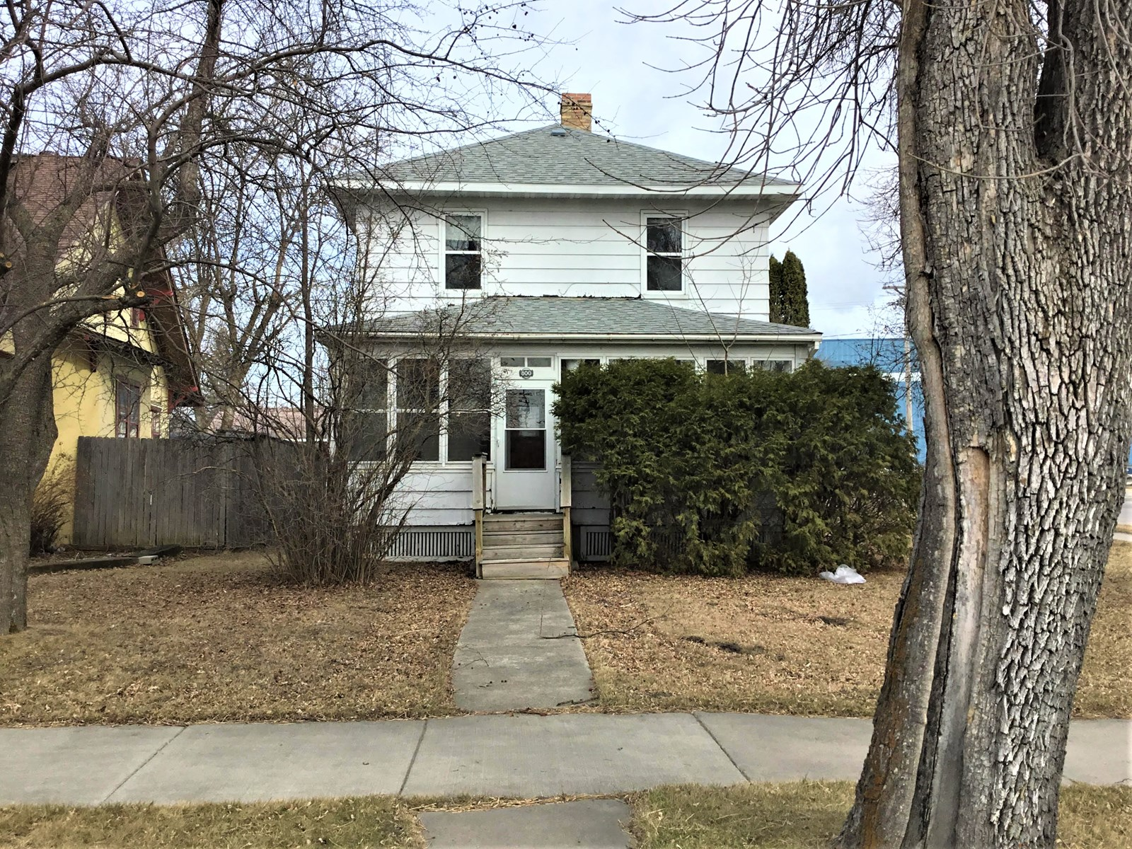 Home in town for sale in International Falls MN