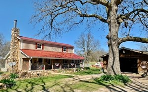 CABIN STYLE HOME FOR SALE IN ARKANSAS