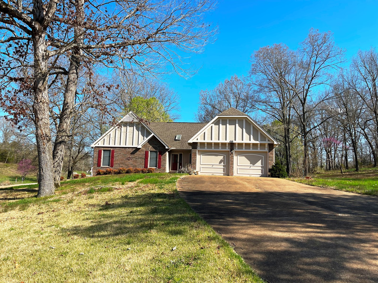 Home on Creeek with acreage for sale Ash Flat, AR