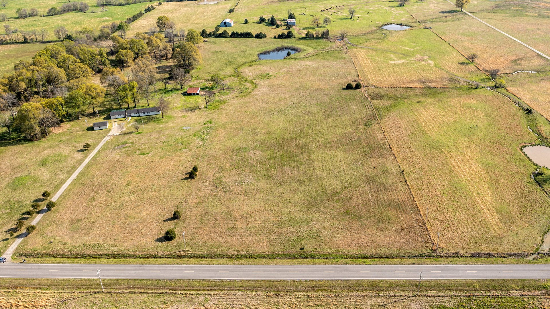 20 ACRES NEAR POTEAU, OK