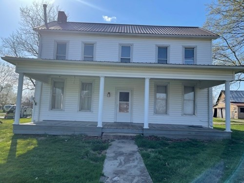 Jerusalem, OH Two Story home on 1 +/- Acre