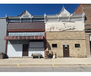 Commercial Building in Jones County Iowa For Sale at Auction