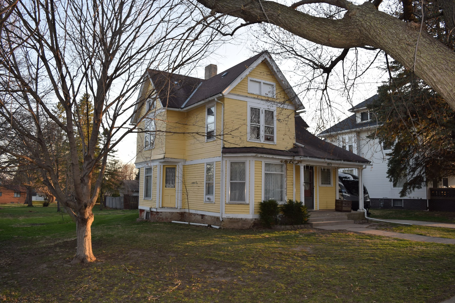 Victorian, 4 bedroom home in Harlan, Iowa , Shelby County