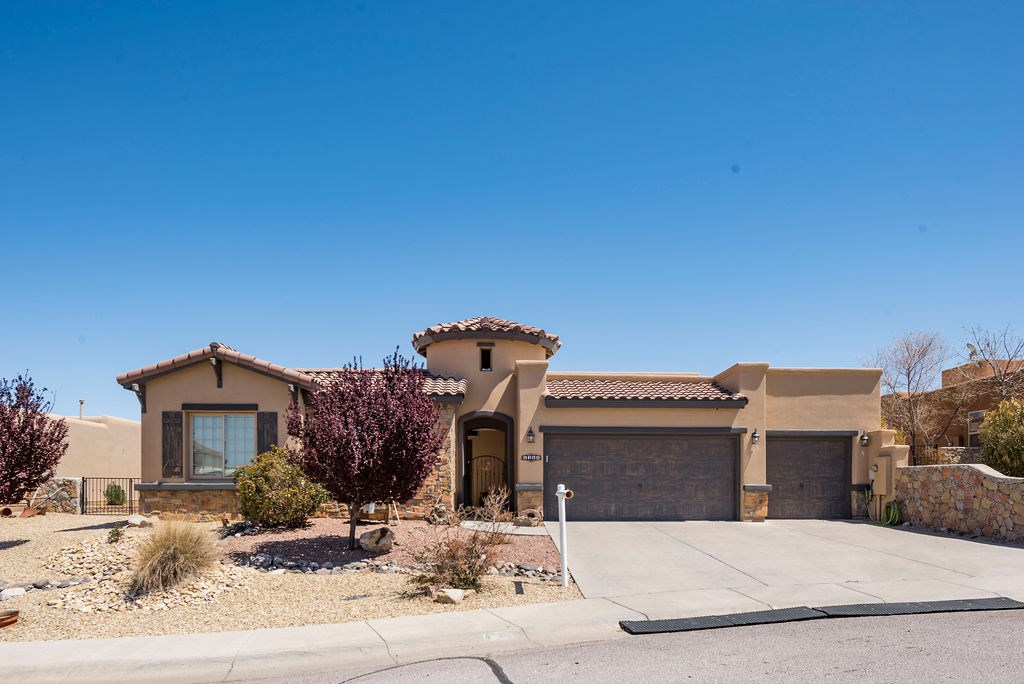 Beautiful spacious home in gated community