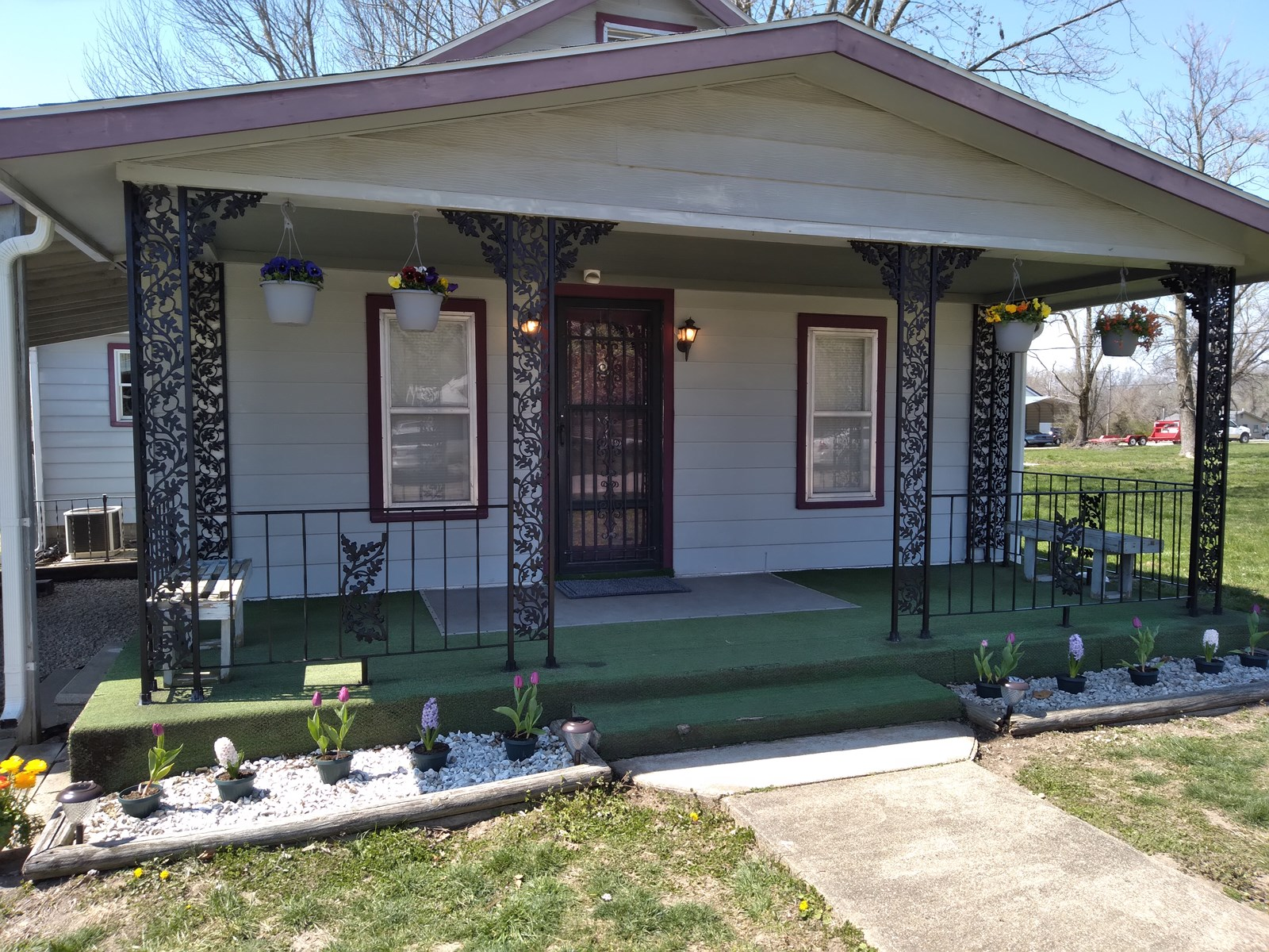 Nice Home On Quiet Street In Stover, MO