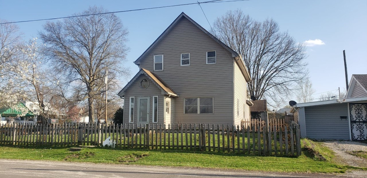 Remodeled and Move In Ready, Trenton, MO