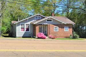COMMERCIAL OFFICE BUILDING FOR SALE MCCOMB, MS