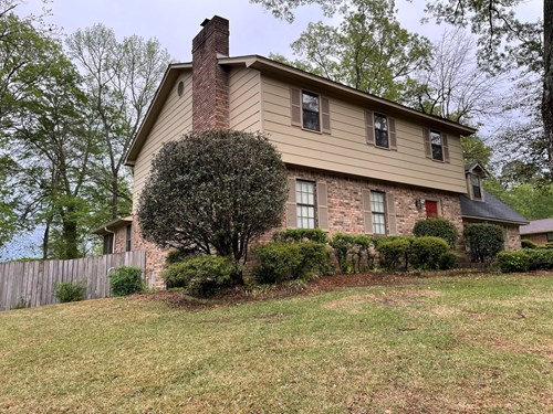 4 Bedroom Upscale Home located near Medical Center