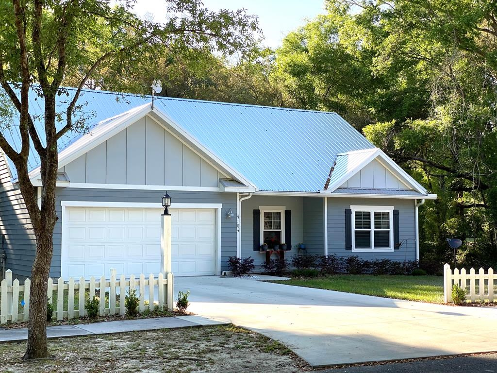 RIVERWALK SUBDIVISION - SHOWS LIKE A MODEL!