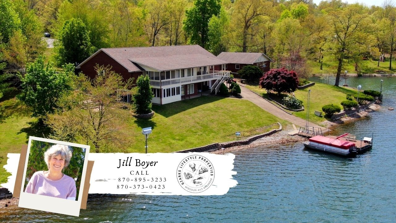 Beautiful Lakefront Home in Horseshoe Bend, AR
