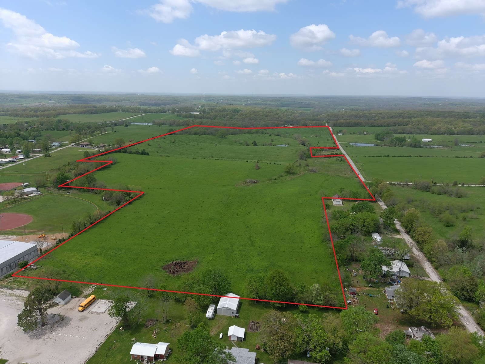 100 Acre Cattle Farm, Bordering Fair Play Missouri