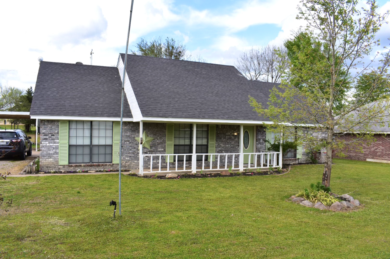 Country Home For Sale Powderly Texas In Lamar County