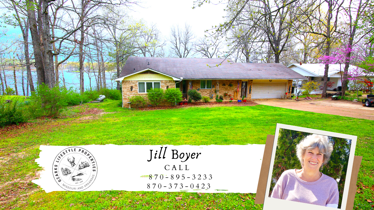 Crown Lakefront Home in Horseshoe Bend, AR