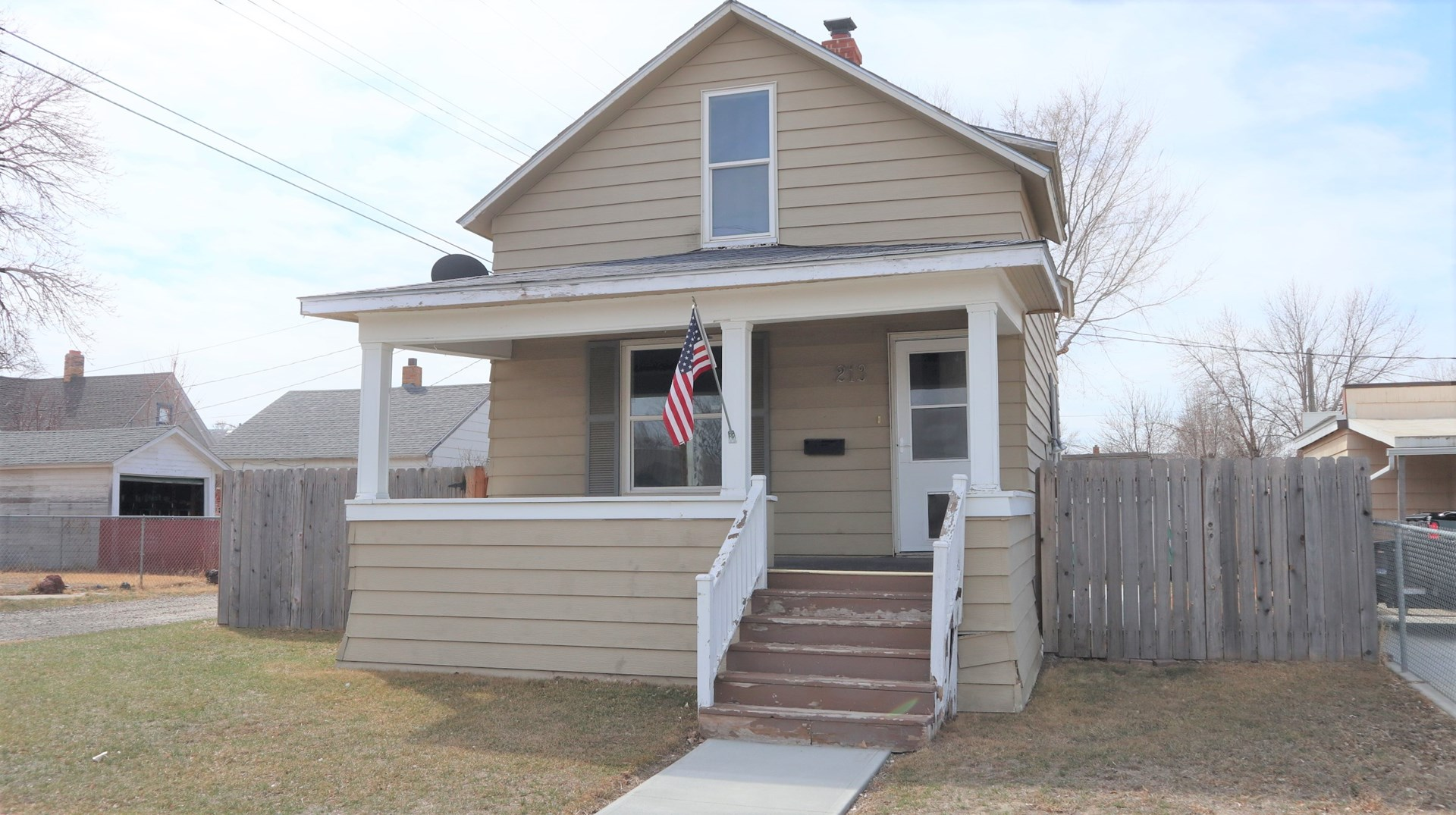 Cute Updated Home in Convenient Downtown Location! Glendive