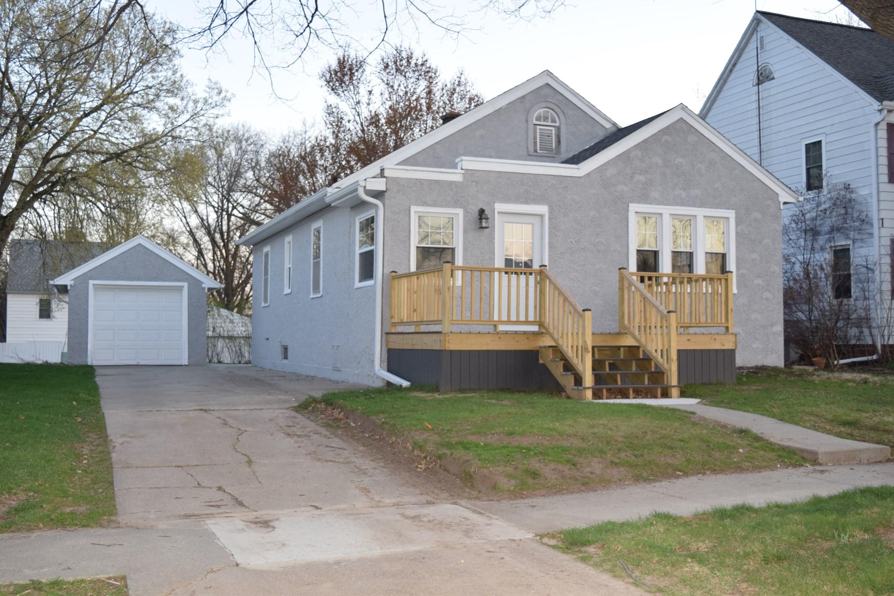 1-story home, Family room, Fireplace, Harlan, IA, Shelby Co.