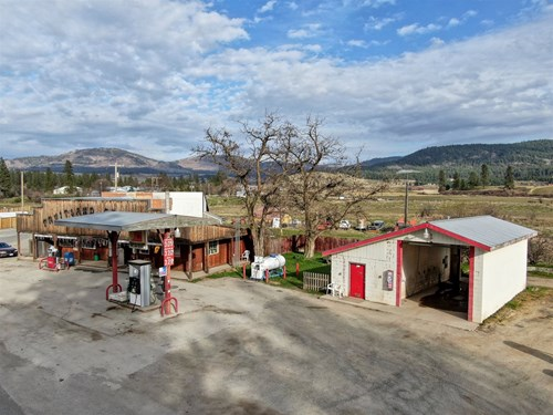 Commercial Property in Fruitland WA near Lake Roosevelt