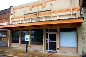 GREAT COMMERCIAL BUILDING FOR SALE OR LEASE IN MAGNOLIA, MS
