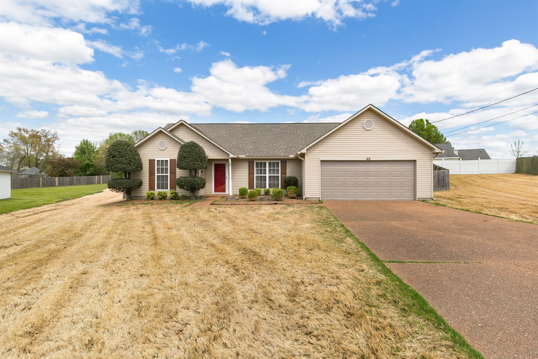3 BR 2 BA  Home In Town in Jackson   Tn