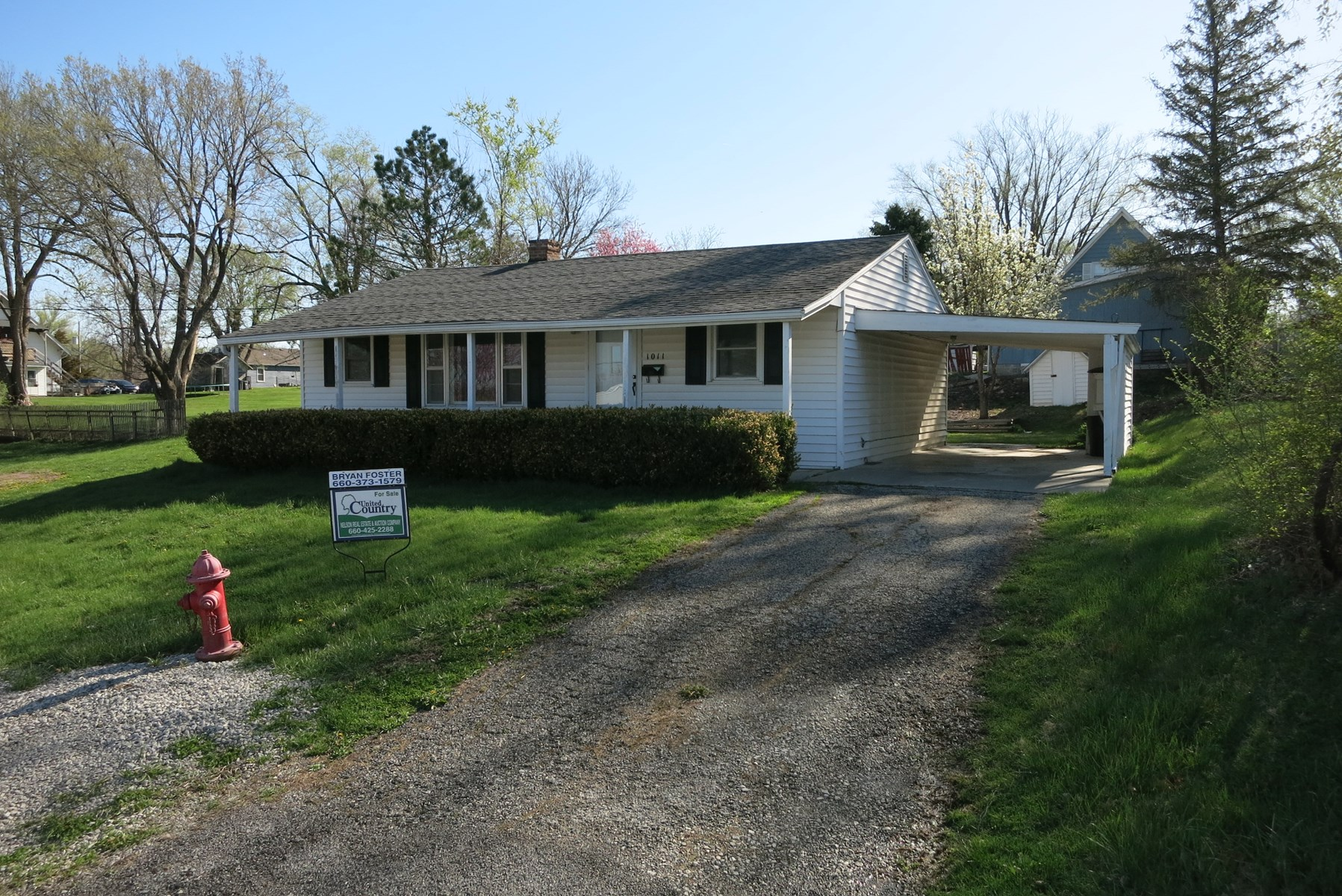 For Sale 3 BR Ranch Home in Bethany