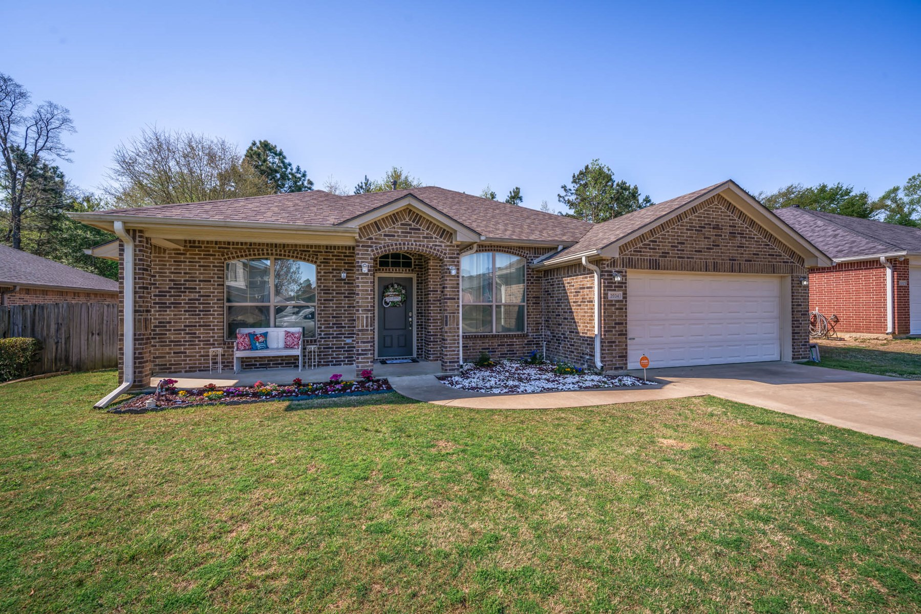 HOME IN TOWN FOR SALE EAST TEXAS