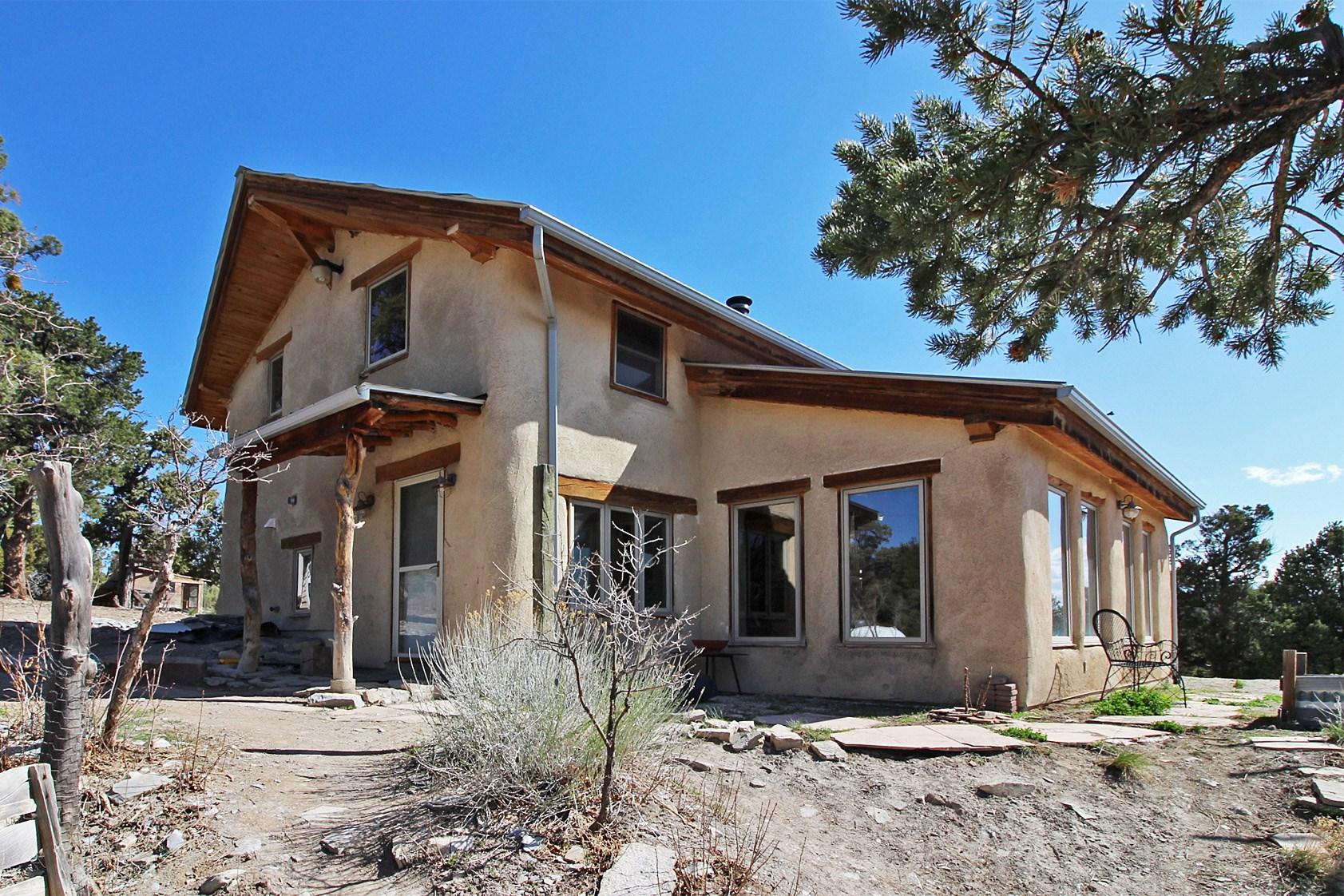 Property bordering BLM w/mountain views